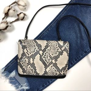 Handbags - Black & Taupe Grey Faux Snakeskin Crossbody Purse